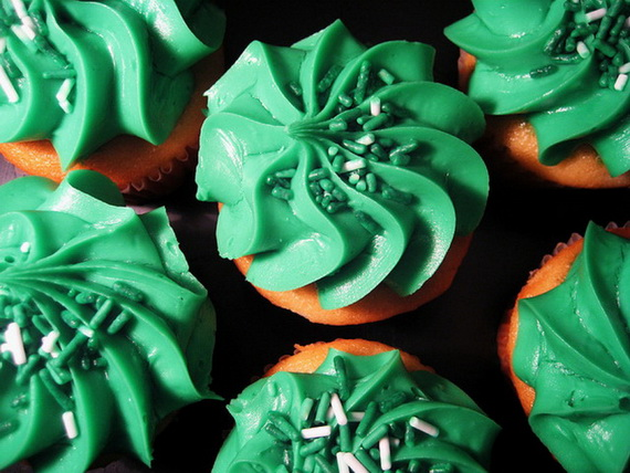 St_ Patrick_s Day cup cakes picture_resize