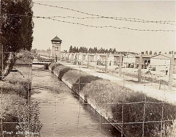 World-War-2-Holocaust-Memorial-Day-_01