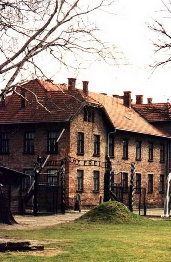 World-War-2-Holocaust-Memorial-Day-_03