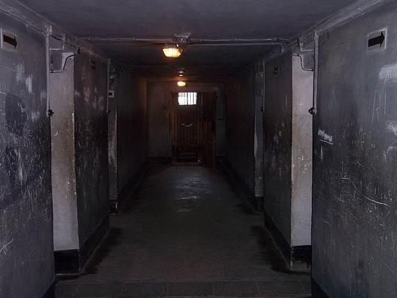 World-War-2-Holocaust-Memorial-Day-_08