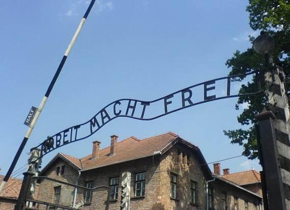 World-War-2-Holocaust-Memorial-Day-_09