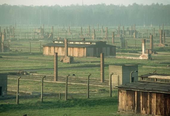 World-War-2-Holocaust-Memorial-Day-_10