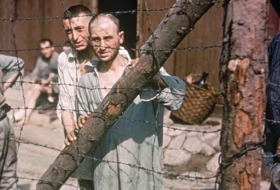 World-War-2-Holocaust-Memorial-Day-_17