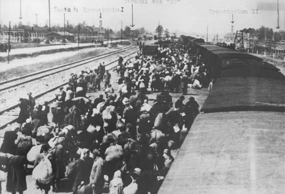 World-War-2-Holocaust-Memorial-Day-_20