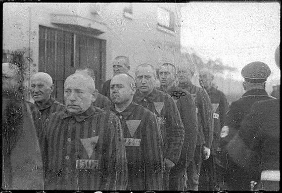World-War-2-Holocaust-Memorial-Day-_26