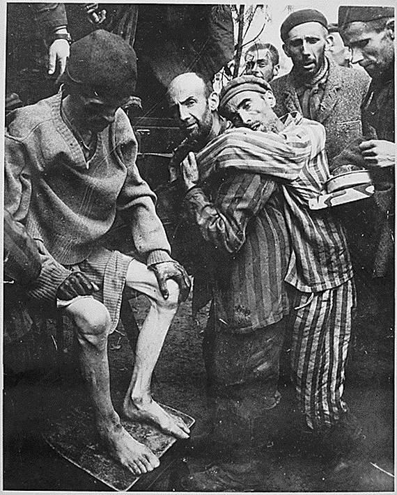 World-War-2-Holocaust-Memorial-Day-_32
