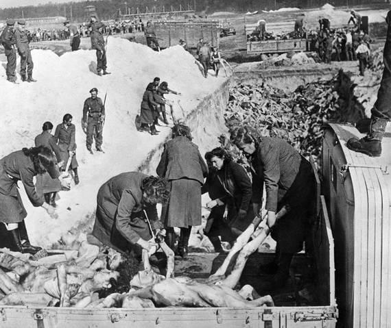 World-War-2-Holocaust-Memorial-Day-_63