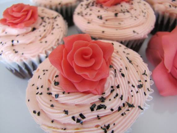 Celebrate-Mothers-Day-with-Decorating-Ideas-of-Cakes-Cupcakes-_09