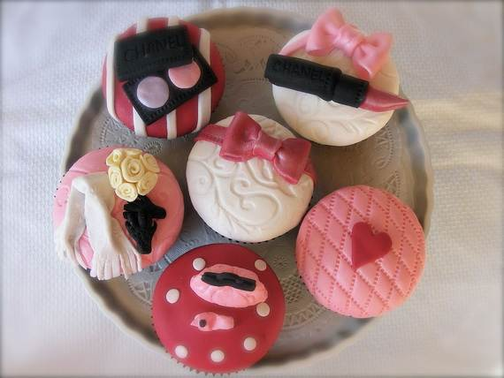 Celebrate-Mothers-Day-with-Decorating-Ideas-of-Cakes-Cupcakes-_16