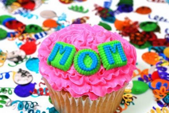 Creative-Mothers-Day-Cupcake-Ideas_16