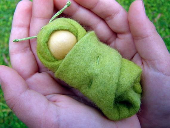 Felt-Crafts-and-Needle-Felting-Projects-for-All-Seasons-_096