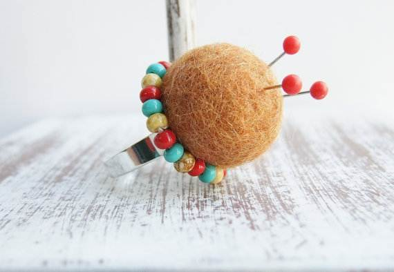 Felt-Crafts-and-Needle-Felting-Projects-for-All-Seasons-_097