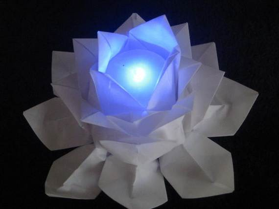 DIY-Paper-Lotus-Lanterns-for-Buddha's-Birthday__121