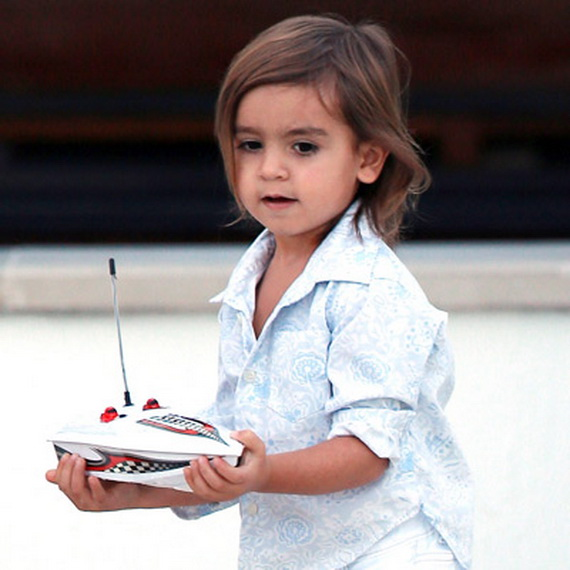 Cute Celebrity Kids' Hairstyles_31