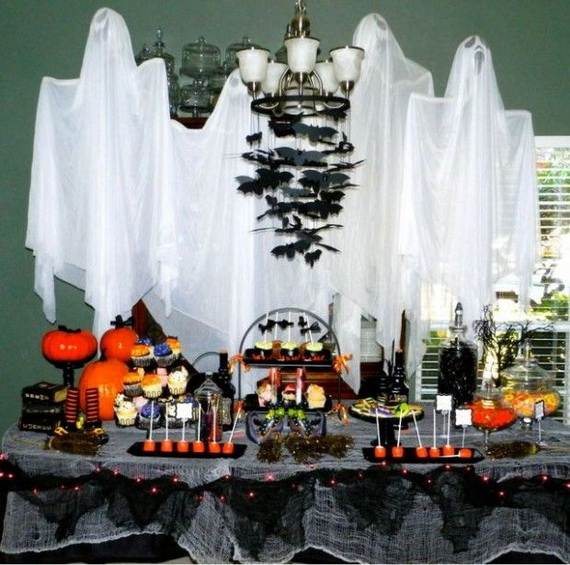 50 awesome halloween indoors and outdoor decorating ideas for Awesome halloween decoration ideas