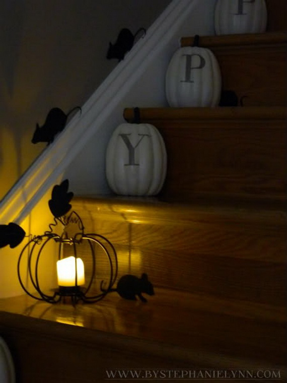 50 Unique Fall Staircase Decor Ideas_06