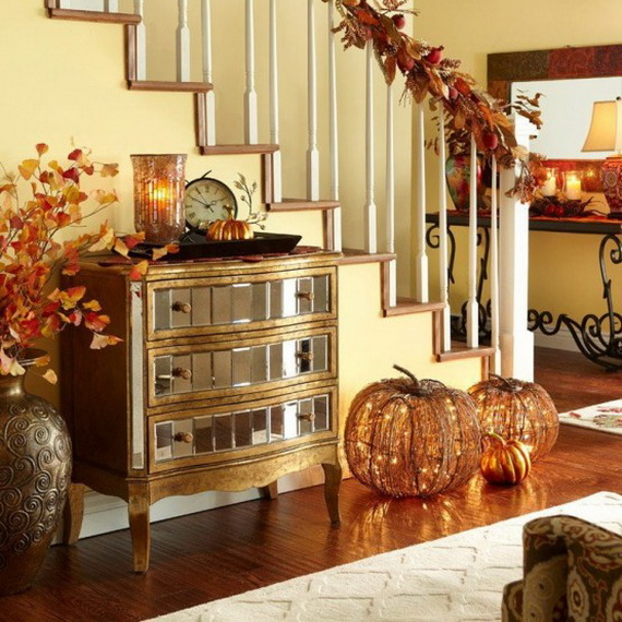 50 Unique Fall Staircase Decor Ideas_17