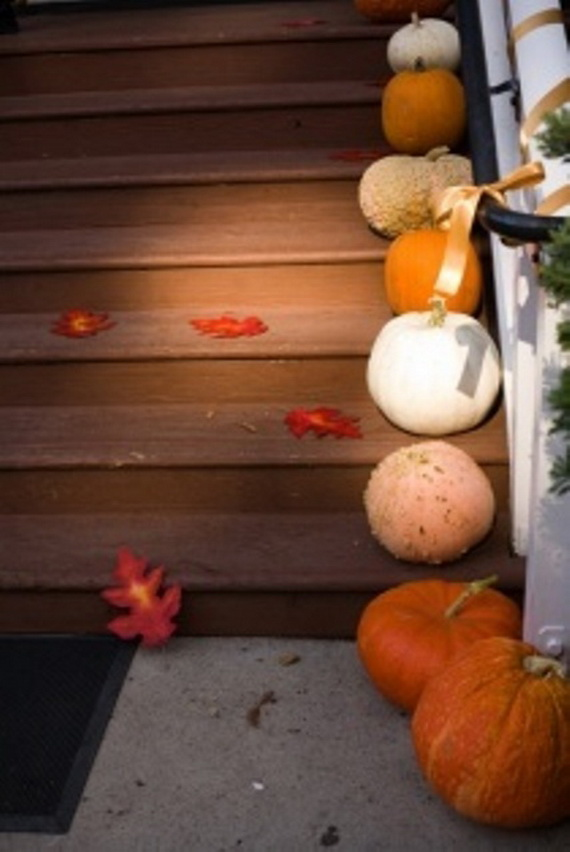 50 Unique Fall Staircase Decor Ideas_18