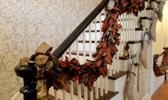 50 Unique Fall Staircase Decor Ideas_34