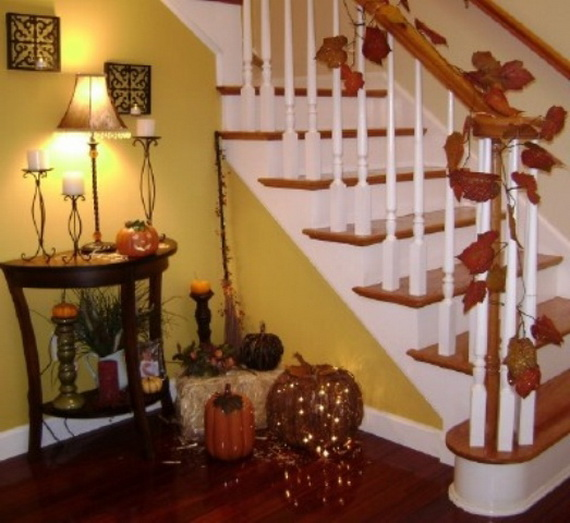50 Unique Fall Staircase Decor Ideas_38
