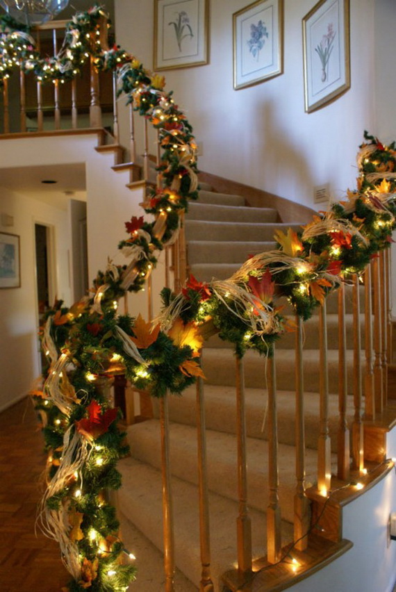 50 Unique Fall Staircase Decor Ideas_41
