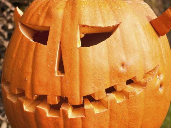 Cool-Easy-Pumpkin-Carving-Ideas-_25