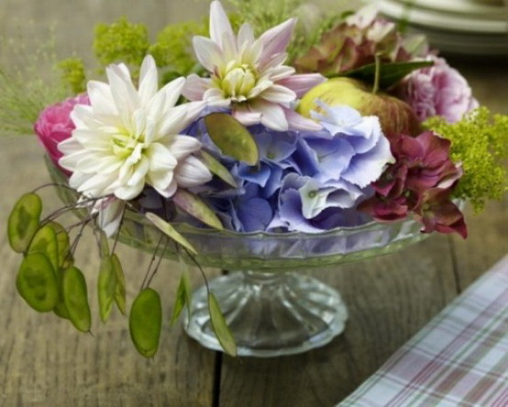 Cool Fall Flower Centerpiece and Flower Table  (28)