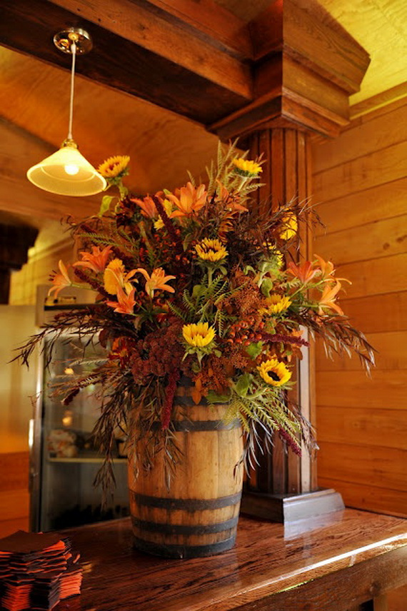 Cool fall flower centerpiece and table décor