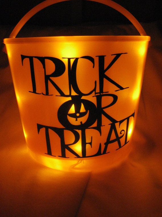 Easy Ideas for Halloween Treat Bags and Candy Bags (26)