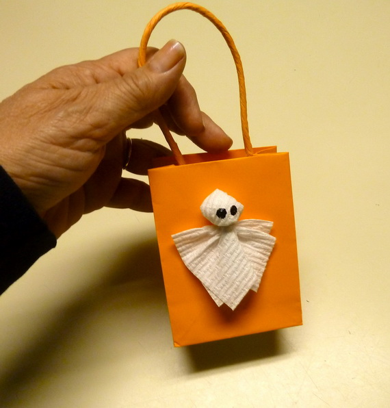Easy Ideas for Halloween Treat Bags and Candy Bags (67)_resize