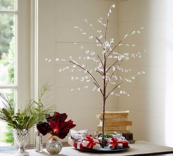 60 elegant table centerpiece ideas for christmas family for Minimalist xmas decorations