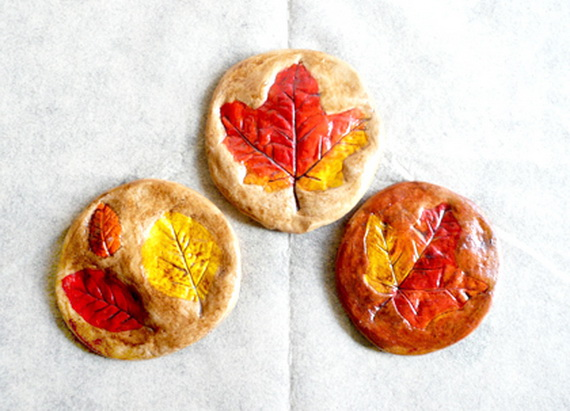 Fall Decor Crafts-Easy Fall Leaf Art Projects (51)_resize