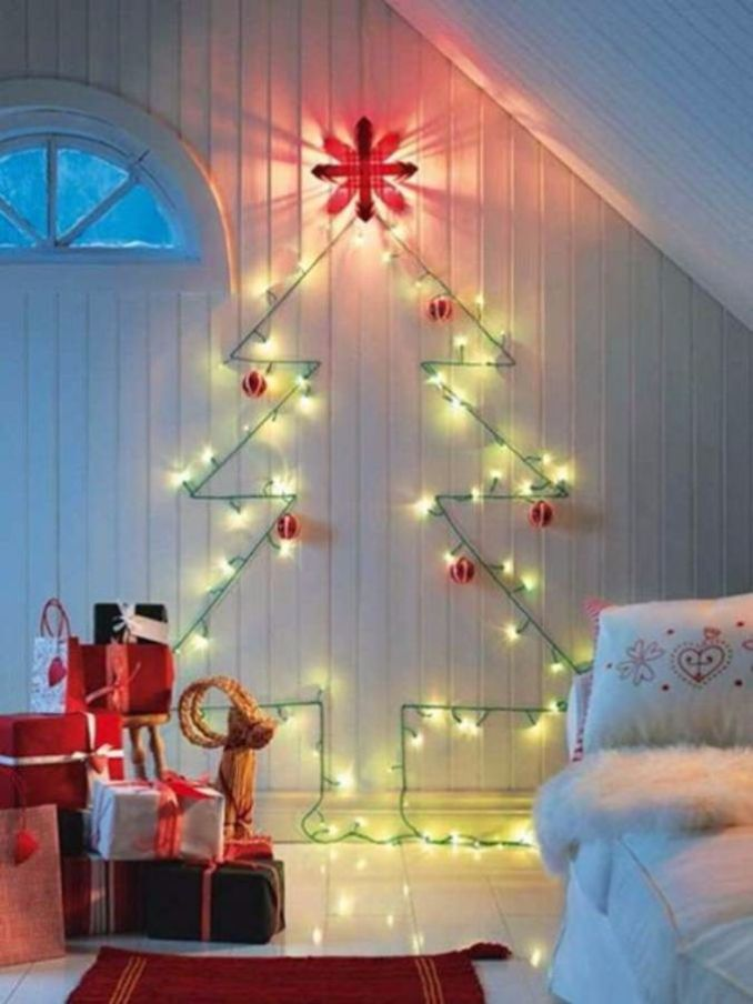 Xmas Lights On Wall : 60 Wall Christmas Tree - Alternative Christmas Tree Ideas - family holiday.net/guide to family ...