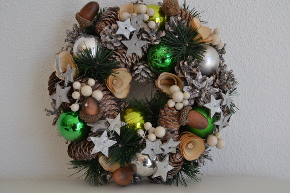 50 Great Christmas Wreath Ideas To Keep The Traditions Alive_17