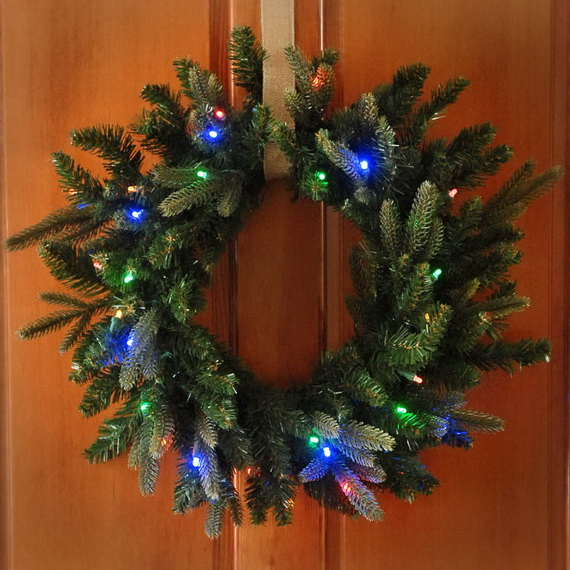 50 Great Christmas Wreath Ideas To Keep The Traditions Alive_24