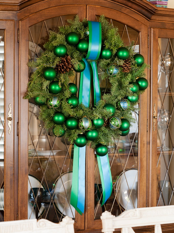 50 Great Christmas Wreath Ideas To Keep The Traditions Alive_41