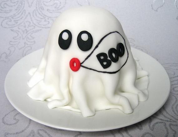 Elegant White Halloween Ideas_3