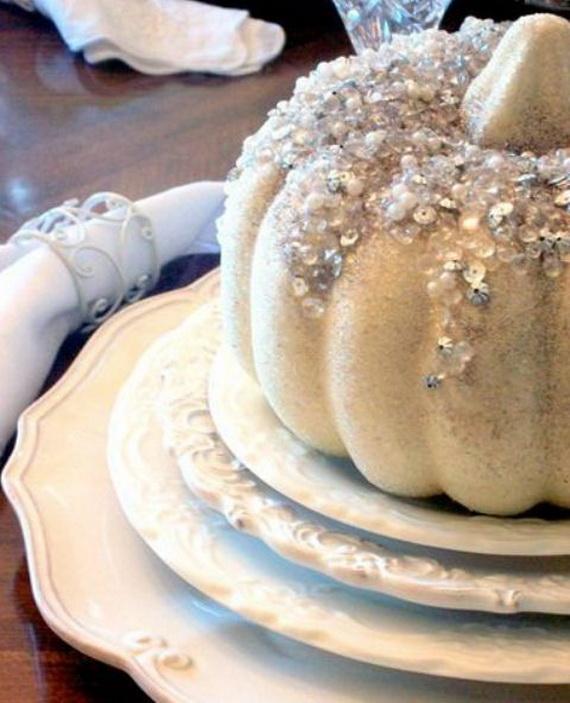 Elegant White Halloween Ideas_48