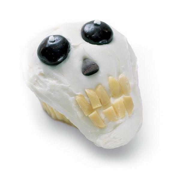 Elegant White Halloween Ideas_94