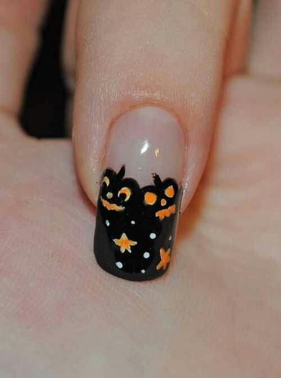 Gorgeous Ghastly Halloween Nail Art Designs (23)