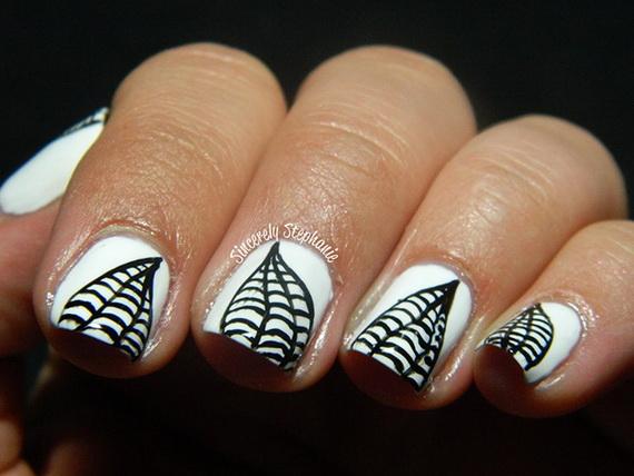 Gorgeous Ghastly Halloween Nail Art Designs (33)
