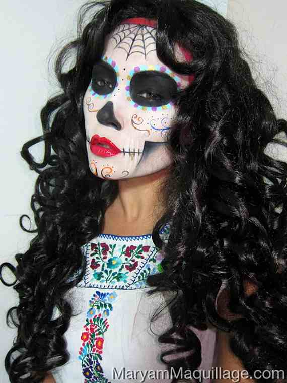 Halloween-Best-Calaveras-Makeup-Sugar-Skull-Ideas-for-Women (19)