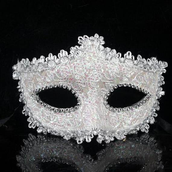 How-to-Make-a-Paper-Mache-Mask-With-a-Foil-Mold_02