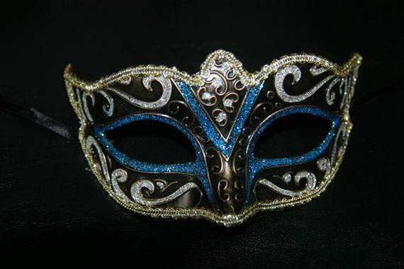 How-to-Make-a-Paper-Mache-Mask-With-a-Foil-Mold_10