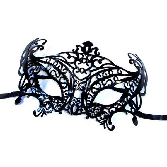 How-to-Make-a-Paper-Mache-Mask-With-a-Foil-Mold_12