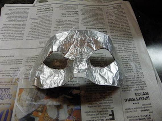 How-to-Make-a-Paper-Mache-Mask-With-a-Foil-Mold_43