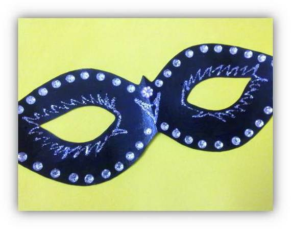 How-to-Make-a-Paper-Mache-Mask-With-a-Foil-Mold_44