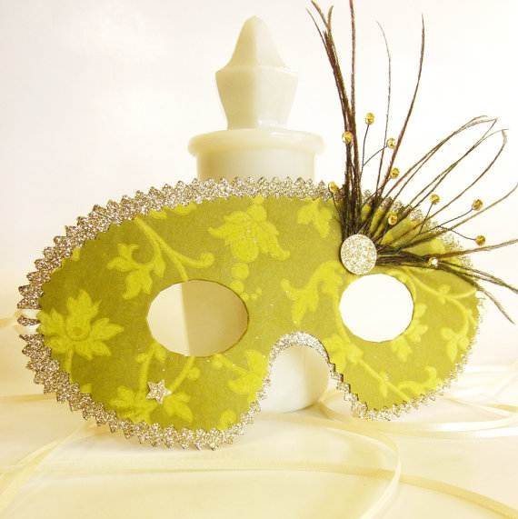 How-to-Make-a-Paper-Mache-Mask-With-a-Foil-Mold_50