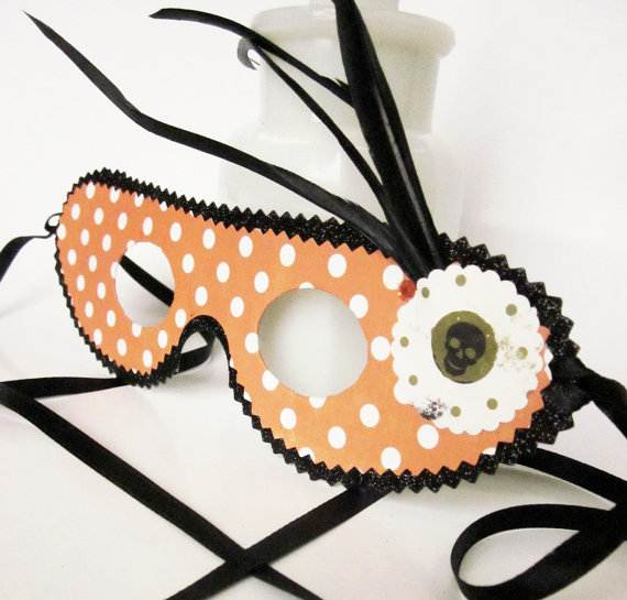 How-to-Make-a-Paper-Mache-Mask-With-a-Foil-Mold_58