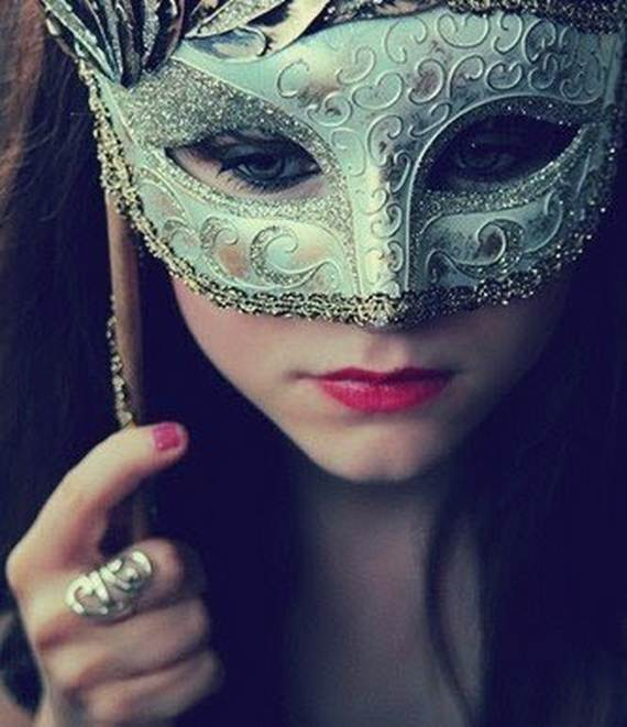 How-to-Make-a-Paper-Mache-Mask-With-a-Foil-Mold_83